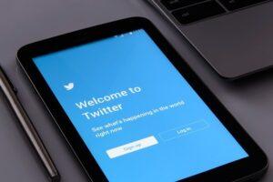 ?merece la pena comprar seguidores para Twitter?